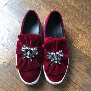 {Zara} Slip On Velvet Slippers